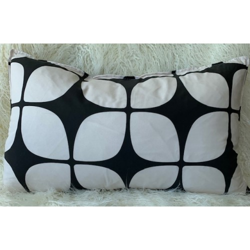 Black and White Blooms lumbar